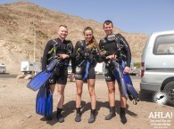 how to spend time in eilat with friends scuba diving in red sea